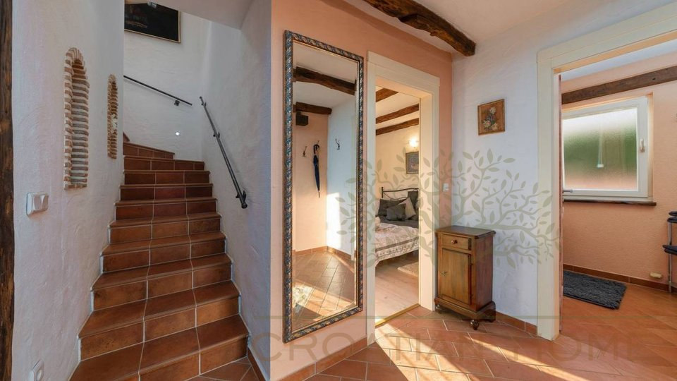 House, 151 m2, For Sale, Kaštelir