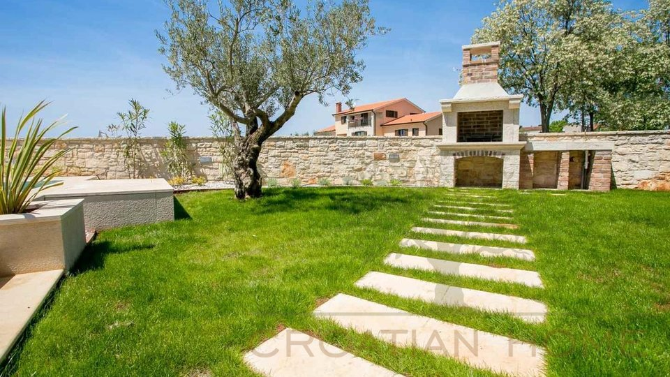 House, 157 m2, For Sale, Kaštelir