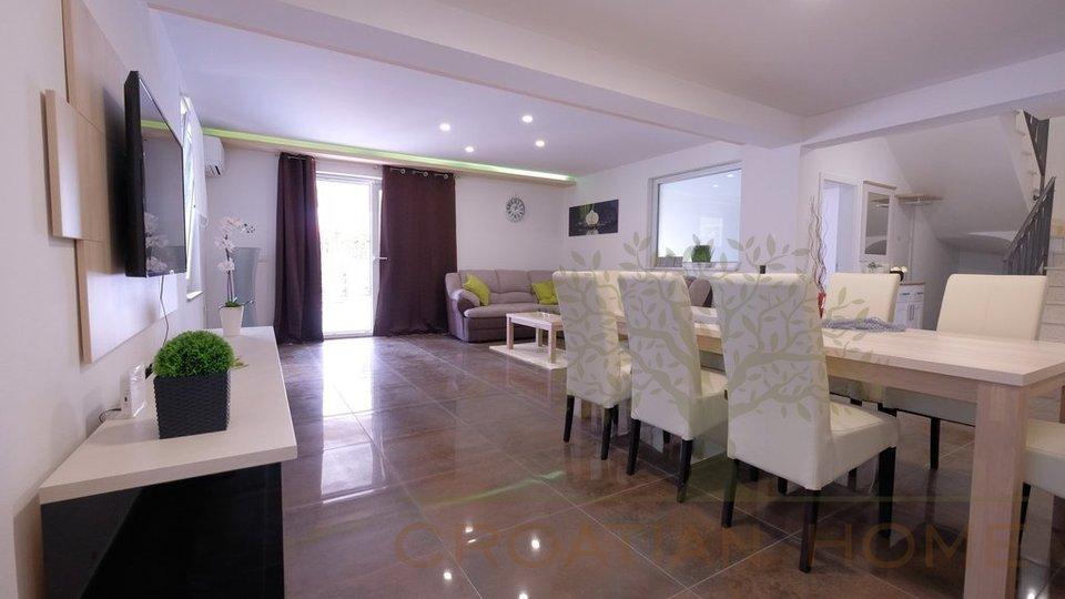 House, 220 m2, For Sale, Svetvinčenat