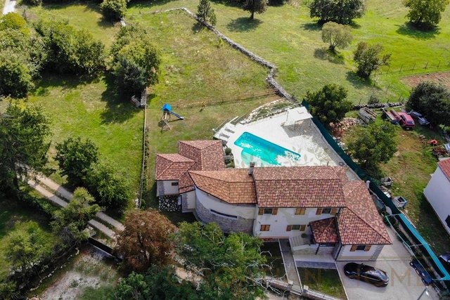 House, 398 m2, For Sale, Žminj