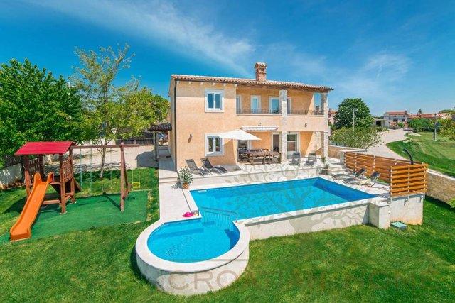 House, 405 m2, For Sale, Svetvinčenat