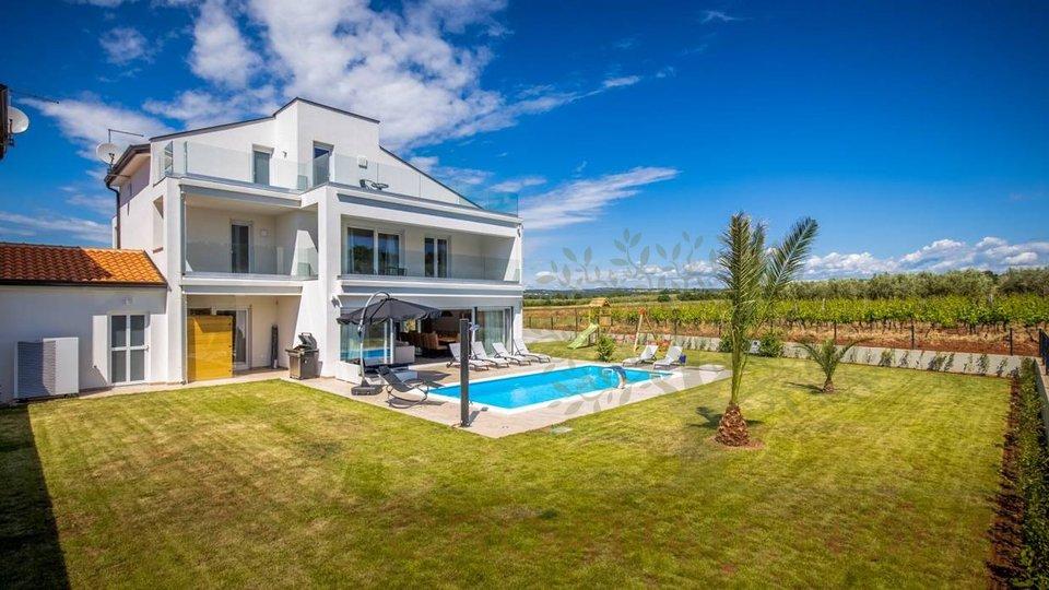 Voll ausgestatte Villa mit Pool nur 5 km vom  Meer