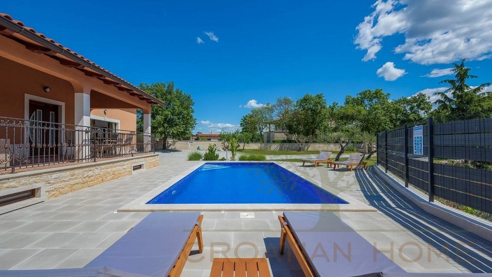 Bungalow mit Pool und Wellnessraum Sauna u. Whirlpool