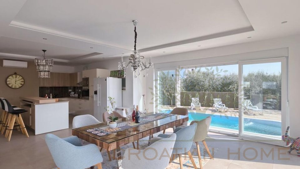 Villa mit atemberaubenden Blick auf das Meer und die Brijuni Inseln!