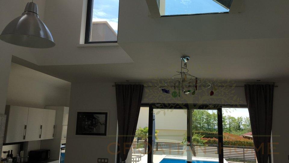 House, 172 m2, For Sale, Kaštelir