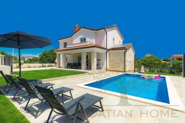 Villa mit Pool nur 4 km vom Meer
