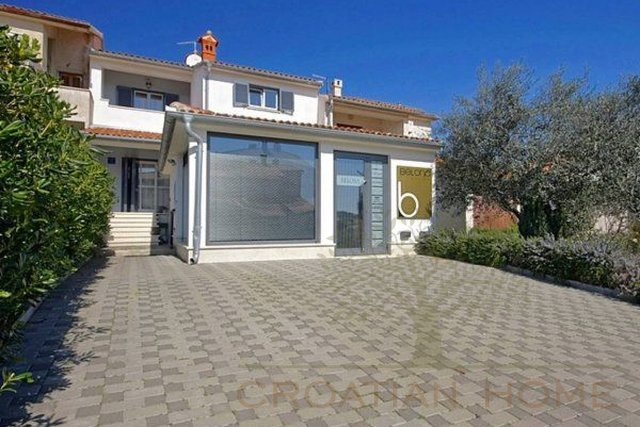 House, 240 m2, For Sale, Pula
